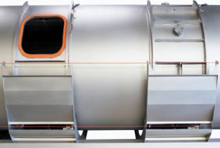 Les portes motorisées du pressoir pneumatique Smart Press de Pera Pellenc, matériel vinicole
